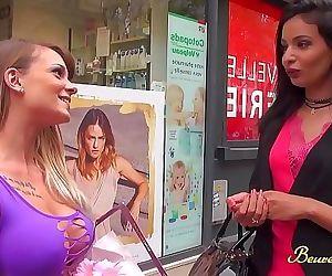 Mélissa veut un plan lesbien pour faire plaisir à son mari 15 min HD+