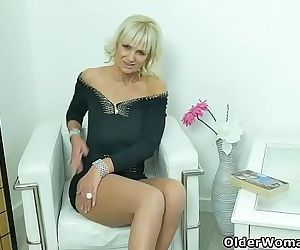 Euro milf Roxana exposes her big tits and rubs her cuntHD