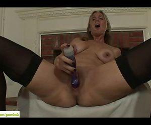 Jenna Covelli Dildos Older Pussy
