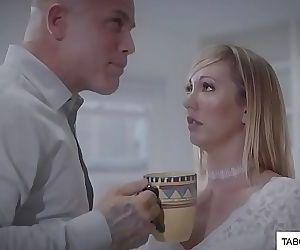 Boss seduce her in the office 6 min HD