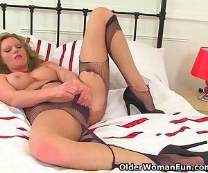 British milf Holly rips her tights to shreds