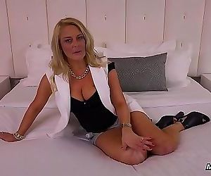 WTF Holy Squirting Milf Amateur Anal Fucking 12 min HD+