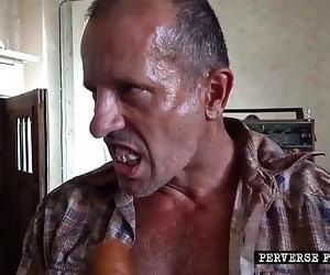 Perverse FamilyVegetable craze teaser 2 min