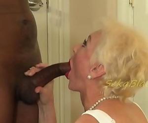 Sekas Interracial Sex with Hubbys Big Black Driver 10 min 720p