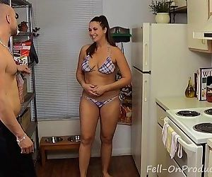 Madisin Lee in Fucking My New Neighbor I fucked my new hot Milf neighbor - 2 min HD