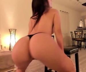 Bella asmr dancing