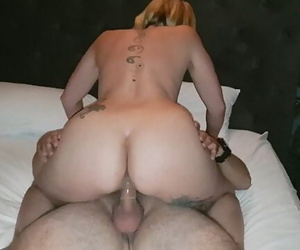 Sneaking off at House Party, Fuckbuddy Fills my Pussy with Cum