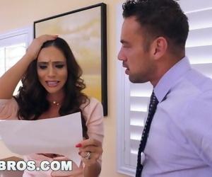 BANGBROS - Latin MILF Ariella Ferrera does whatever it Takes to Settle Bill