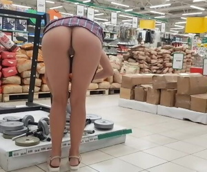 Young Girl Shows her Ass and Pussy at Walmart