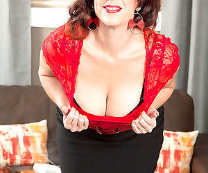 Sexy mom susanna adams showing her tits ass and pussy -..