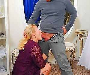 Petra eagle mature blonde in boots fucks with guy on a..