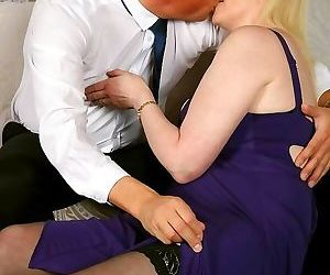 Suzie stone bigboobs blonde in stockings fucking hard -..