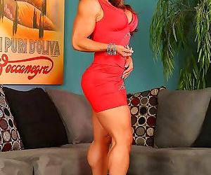 Fitness milf briana beau posing and flexing - part 20