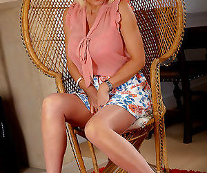 Milf jan burton rubs one out in stockings and heels - part..
