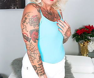 Granny slut with sweet tattos got a hard cock - part 3209