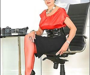 Red seamed nylons leggy older secretary lady sonia - part..