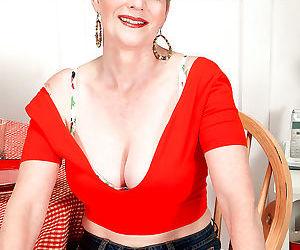 Busty mature pornstar sindee dix sucks dick - part 2106
