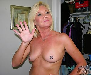 Blonde mature wife nude modeling and spreading her pussy -..