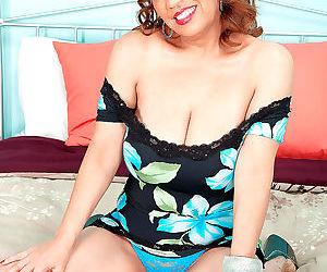 Big titted mexican milf marisa vazquez sucks dick - part..