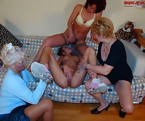 Mature and granny sex - part 967