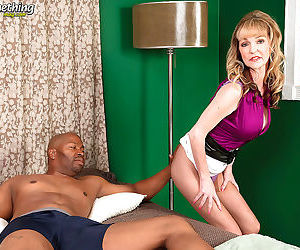 Mature woman janee diamond brings her interracial sex..