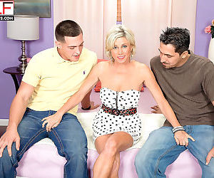 Hoy mature blonde payton hall sucks two cocks in threesome..