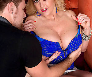 Mature blonde lady tahnee taylor assfucked by her toy boy..