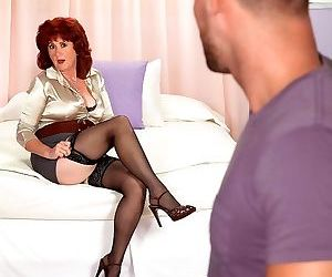 Curvy mature lady shirley lily seducing a young man - part..