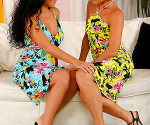 Dark haired middle aged lesbos get busy - part 2884