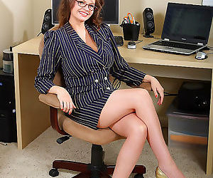 Busty office administrator shows her big juggs - part 2820