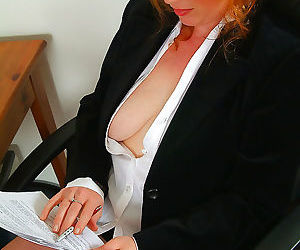 Redheaded rose plays around with her furry pussy - part 2811