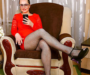 Animee fishnet secretary - part 2561