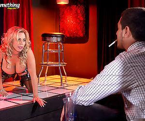 Busty milf stripper amber lynn offers extras - part 2543