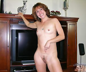 Mature amateur modeling nude - true amateur models - part..