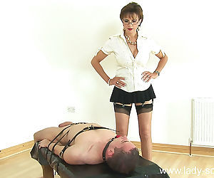 The hottest handjob with lady sonia - part 2336