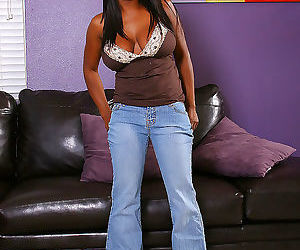 Jada is one hot ass milf black lady - part 2194