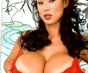 Mature pornstar Minka in red lingerie likes to bath her..