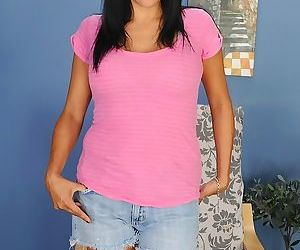 Next door housewife Isabella Montoya bends over and shows..