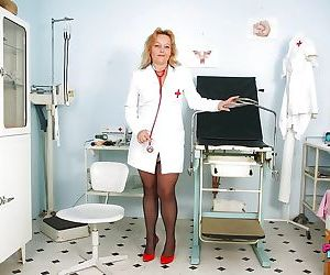 Filthy mature nurse in nylon stockings revealing her hairy..