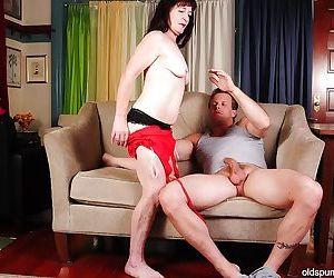Cumshot scene with an busty mature mom Anna and her..