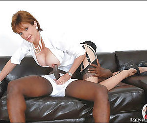 Salacious mature shrew in nylon stockings jerking off a..