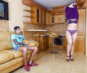 Thick amateur cougar Dana Karnevali flashing hairy pussy..