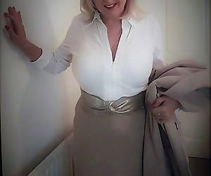 Chubby mature wife Lorna Blu changes form white to red to..