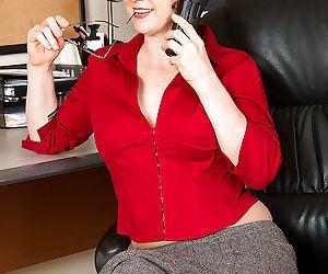 Older secretary Artemisia masturbating hairy pussy in office