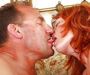 Mature first timer Liddy facesitting husband for pussy..