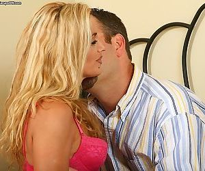 Awesome mature woman with pretty lips Jazella suckles off..
