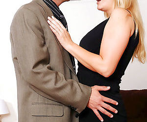 Chubby mature Robbye Bentley getting off in steamy..