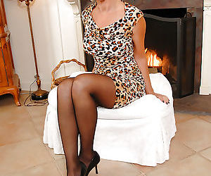 Mature lassie in sexy pantyhose taking off her dress and..