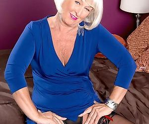 Granny in stockings Jeannie Lou sucks him off before he..