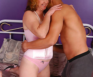Chubby mom goes down on a thick meaty pole for cum on her..